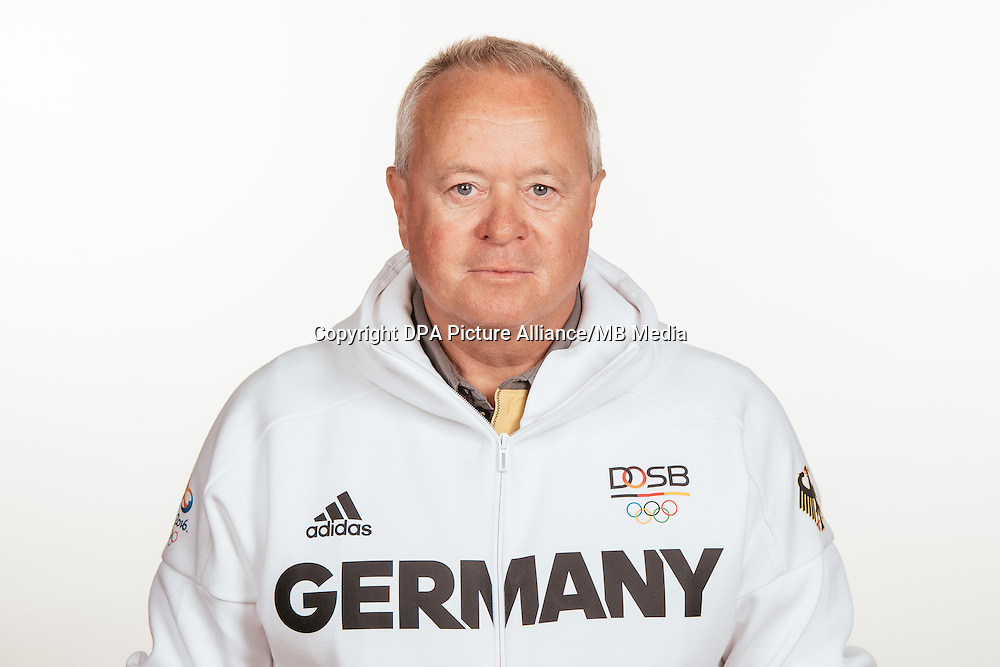 Axel Krämer poses at a photocall during the preparations for the Olympic Games in Rio at the Emmich Cambrai Barracks in Hanover, Germany, taken on 14/07/16 | usage worldwide