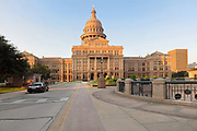 Texas State Capitol, containing the Texas Legislature and the Office of the Governor, designed in 1881 by Elijah E Myers and built 1882-88, Austin, Texas, USA. On the right is the underground 4-storey inverted rotunda extension, built 1993. The building is in Italian Neo-Renaissance style, with both Corinthian and Doric details and a large central dome. The State Capitol houses the Senate, Governor's Office, House of Representatives and Supreme Court. It is listed on the National Register of Historic Places and is a National Historic Landmark. Picture by Manuel Cohen