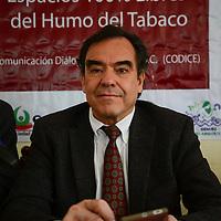 Toluca, México.- Eduardo del Castillo, vocero de Códice, informó que realizaron un monitoreo en 30 restaurantes y discotecas de Toluca, Metepec y Naucalpan, y se detecto que en 7 de estos sitios no se acata la Ley de Protección ante la Exposición del Humo del Tabaco y en 10 mas simplemente se simula.  Agencia MVT / Crisanta Espinosa
