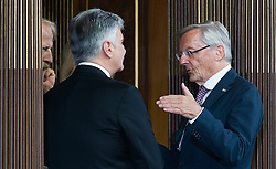 08.07.2016, Historischer Sitzungssaal, Wien, AUT, Parlament, Bundesversammlung zur Verabschiedung des scheidenden Bundespräsidenten Fischer, im Bild v.l.n.r. die ehemaligen Bundeskanzler Werner Faymann und Wolfgang Schüssel // f.l.t.r. the former chancellors Werner Faymann and Wolfgang Schuessel during farewell ceremony for the federal president of austria at austrian parliament in Vienna, Austria on 2016/07/08, EXPA Pictures © 2016, PhotoCredit: EXPA/ Michael Gruber