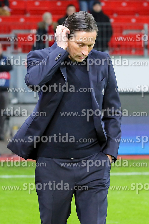 25.02.2015, BayArena, Leverkusen, GER, UEFA EL, Bayer 04 Leverkusen vs Atletico Madrid, 1. Runde, R&uuml;ckspiel, im Bild Trainer Roger Schmidt (Bayer 04 Leverkusen) // during the UEFA Europa League 1st Round, 2nd Leg match between Bayer 04 Leverkusen and Atletico Madrid at the BayArena in Leverkusen, Germany on 2015/02/25. EXPA Pictures &copy; 2015, PhotoCredit: EXPA/ Eibner-Pressefoto/ Schueler<br /> <br /> *****ATTENTION - OUT of GER*****