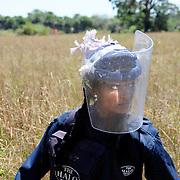 Sri Lanka: landmine ladies