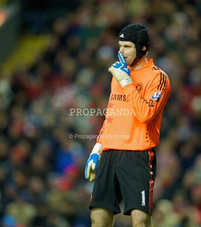 LIVERPOOL, ENGLAND - Sunday, February 1, 2009: Chelsea's goalkeeper Petr Cech during the Premiership match against Liverpool at Anfield. (Mandatory credit: David Rawcliffe/Propaganda)