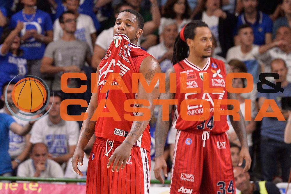 DESCRIZIONE :  Lega A 2014-15  Banco di Sardegna Sassari - EA7 Milano playoff Semifinale gara 3 <br /> GIOCATORE : Ragland Joe<br /> CATEGORIA : Low Delusione<br /> SQUADRA : EA7 Milano<br /> EVENTO : PlayOff Semifinale gara 3<br /> GARA : Banco di Sardegna Sassari - EA7 Milano PlayOff Semifinale Gara 3<br /> DATA : 02/06/2015 <br /> SPORT : Pallacanestro <br /> AUTORE : Agenzia Ciamillo-Castoria/Richard Morgano<br /> Galleria : Lega Basket A 2014-2015 Fotonotizia : Sassari Lega A 2014-15  Banco di Sardegna Sassari- EA7 Milano playoff Semifinale  gara 3<br /> Predefinita :