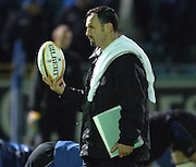 2005/06 Powergen Cup, Bath Rugby vs Gloucester Rugby, Acting chief coach, Mike Foley, supervises Bath Rugby's pre game training session at, The Rec, on the 03.12.2005.   © Peter Spurrier/Intersport Images - email images@intersport-images..