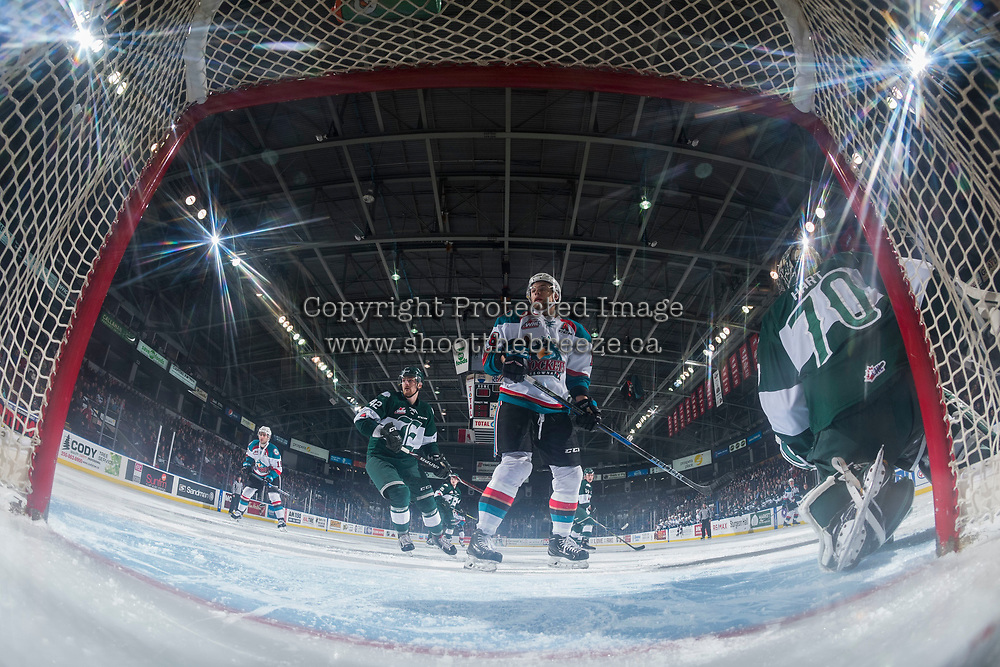 KELOWNA, CANADA - FEBRUARY 2: Carsen Twarynski #18 of the Kelowna Rockets skates past the net against the Everett Silvertips on FEBRUARY 2, 2018 at Prospera Place in Kelowna, British Columbia, Canada.  (Photo by Marissa Baecker/Shoot the Breeze)  *** Local Caption ***