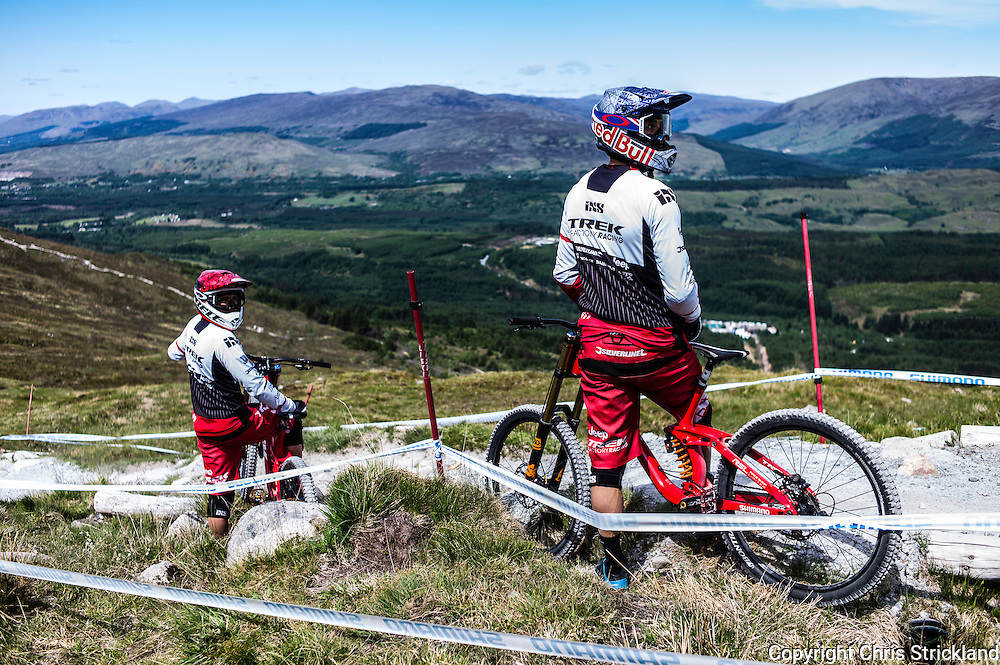Nevis Range, Fort William, Scotland, UK. 3rd June 2016. Gee Atherton of Great Britain, a race favourite takes a breather during practice. The worlds leading mountain bikers descend on Fort William for the UCI World Cup on Nevis Range.