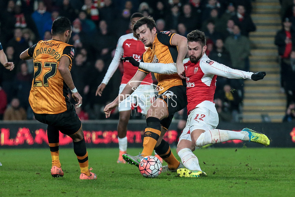 Olivier Giroud (Arsenal) gets a shot in on goal during the The FA Cup fifth round match between Hull City and Arsenal at the KC Stadium, Kingston upon Hull, England on 8 March 2016. Photo by Mark P Doherty.