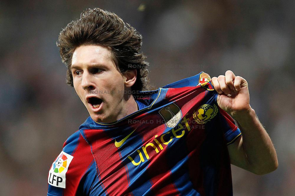 10-04-2010 VOETBAL: REAL MADRID - BARCELONA: MADRID<br /> Lionel Messi scoort<br /> ©2010- FRH nph / ALFAQUI