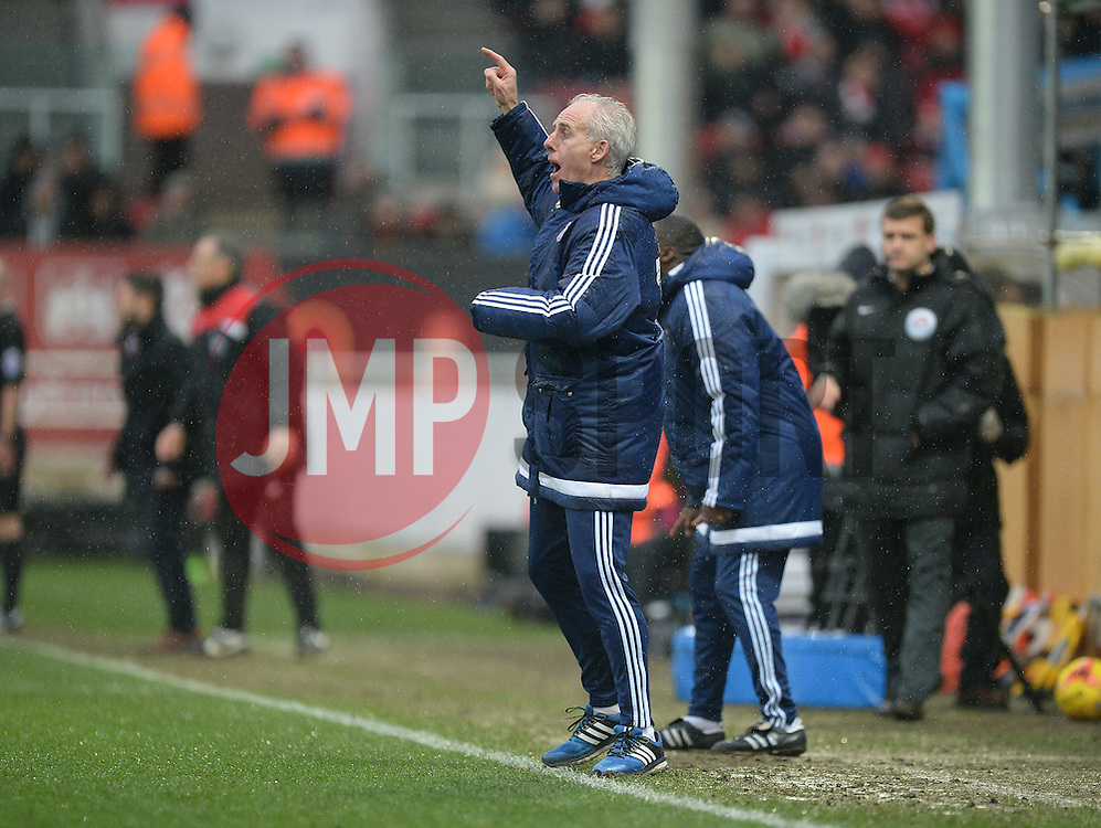 Ipswich Town Manager Mick McCarthy gives his players directions. - Mandatory byline: Alex James/JMP - 13/02/2016 - FOOTBALL - Ashton Gate - Bristol, England - Bristol City v Ipswich Town - Sky Bet Championship