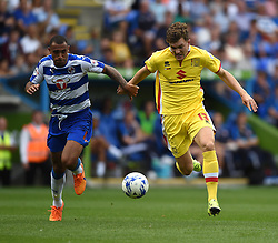 Anton Ferdinand of Reading competes with Sam Gallagher of Milton Keynes Dons - Mandatory by-line: Paul Knight/JMP - Mobile: 07966 386802 - 22/08/2015 -  FOOTBALL - Madejski Stadium - Reading, England -  Reading v MK Dons - Sky Bet Championship