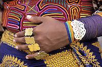 Panama, Archipel de San Blas, Rio Sidra, Village de Mamardup, Indiens Kuna // Panama, San Blas archipelago, Rio Sidra, village of Mamardup, Kuna woman