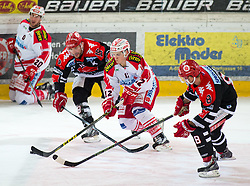 19.02.2016, Tiroler Wasserkraft Arena, Innsbruck, AUT, EBEL, HC TWK Innsbruck die Haie vs EC KAC, Qualifikationsrunde, im Bild Istvan Sofron (EC KAC), Tyler Spurgeon (HC TWK Innsbruck Die Haie), Thomas Vallant (EC KAC) und Hunter Bishop (HC TWK Innsbruck Die Haie) // during the Erste Bank Erste Bank Icehockey qualification round match between HC TWK Innsbruck  die Haie and EC KAC at the Tiroler Wasserkraft Arena in Innsbruck, Austria on 2016/02/19. EXPA Pictures © 2016, PhotoCredit: EXPA/ Jakob Gruber