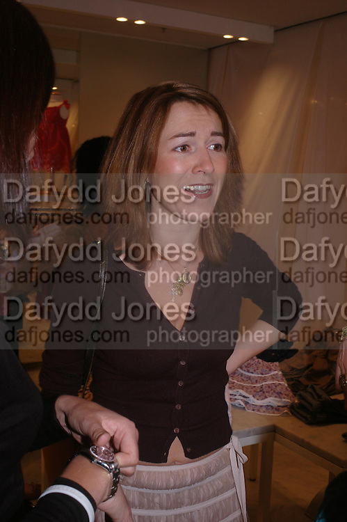 Rowan Pelling, Launch of 'Lucy  Sykes Baby, New York' Selfridges. 14 April 2005. ONE TIME USE ONLY - DO NOT ARCHIVE  © Copyright Photograph by Dafydd Jones 66 Stockwell Park Rd. London SW9 0DA Tel 020 7733 0108 www.dafjones.com