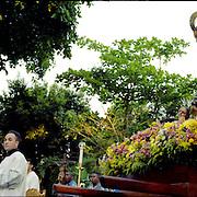 Misa en la Plaza Bolivar de Chacao. Caracas 15 de marzo del 2005.