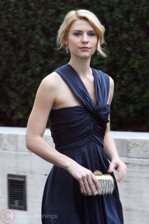 Claire Danes arrives at The Metropolitan Opera's 125th Anniversary Gala and Placido Domingo's 40th Anniversary Celebration underwritten by Yves Saint Laurent held at The Metropolitian Opera House, Lincoln Center on March 15, 2009 in New York City.