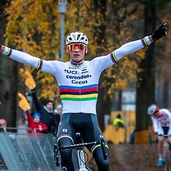 2018-12-01: Cycling: Zilvermeercross Mol: Mathieu Poel keeps on winning