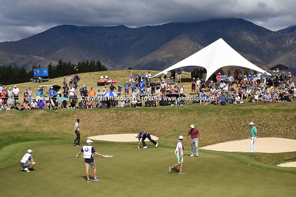 General view of the 10th green during round 4 at The Hills during 2016 BMW ISPS Handa New Zealand Open. Sunday 13 March 2016. Arrowtown, New Zealand. Copyright photo: Andrew Cornaga / www.photosport.nz