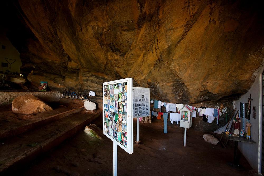 Iuna_ES, Brasil...Camara dos milagres no Santuario de Agua Santa...Agua Santa Sanctuary...Foto: LEO DRUMOND / NITRO