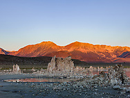 https://Duncan.co/sunrise-at-mono-lake-3