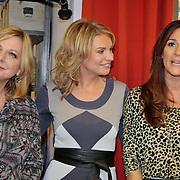 NLD/Eemnes/20111027- Boekpresentatie Koffietijd, presentatrices Quinty Trustfull, Lauretta Schrijver en Pernille la Lau