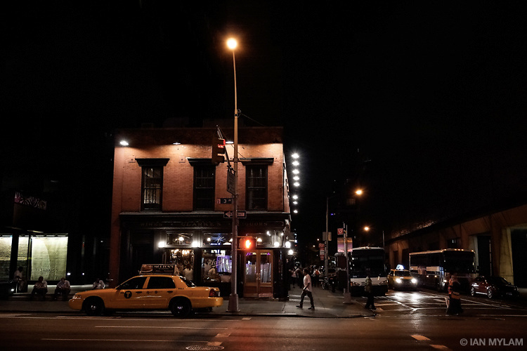 Night on 3rd Avenue - New York City, USA.
