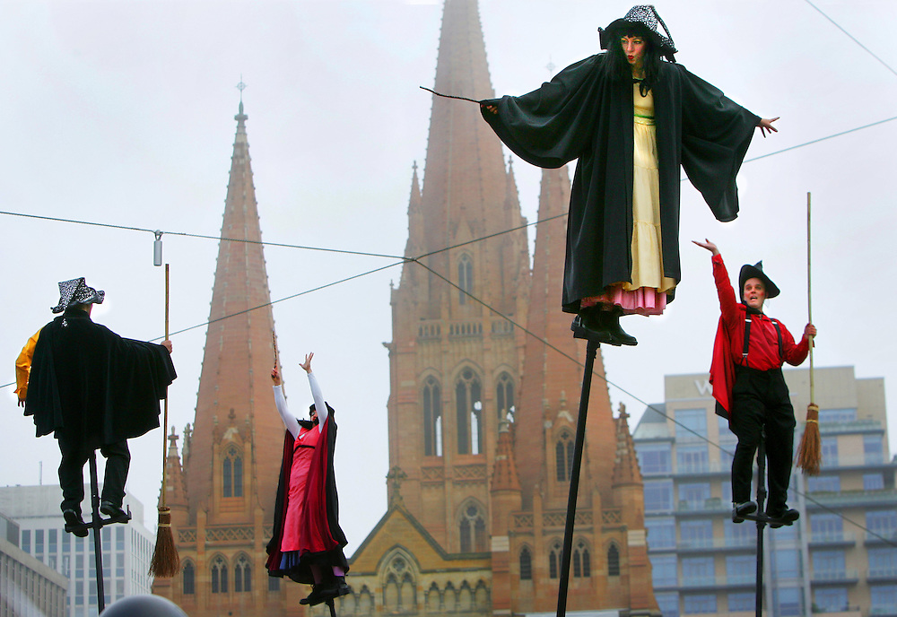 Launch of the last Harry Potter book at Melbournes Federation Square featuring an aerial performance by Strange Fuit  .Pic By Craig Sillitoe SPECIALX 000 melbourne photographers, commercial photographers, industrial photographers, corporate photographer, architectural photographers, This photograph can be used for non commercial uses with attribution. Credit: Craig Sillitoe Photography / http://www.csillitoe.com<br />
