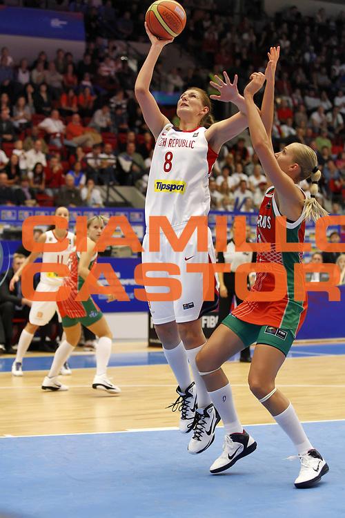 DESCRIZIONE : Karlovy Vary Repubblica Ceca Czech Republic Women World Championship 2010 Campionato Mondiale Semi Final Czech Republic Belarus<br /> GIOCATORE : Ilona BURGROVA<br /> SQUADRA : Czech Republic Repubblica Ceca<br /> EVENTO : Karlovy Vary Repubblica Ceca Czech Republic Women World Championship 2010 Campionato Mondiale 2010<br /> GARA : Czech Republic Belarus Republica Ceca Bielorussia<br /> DATA : 02/10/2010<br /> CATEGORIA : <br /> SPORT : Pallacanestro <br /> AUTORE : Agenzia Ciamillo-Castoria/ElioCastoria<br /> Galleria : Czech Republic Women World Championship 2010<br /> Fotonotizia : Karlovy Vary Repubblica Ceca Czech Republic Women World Championship 2010 Campionato Mondiale Semi Final Czech Republic Belarus<br /> Predefinita :