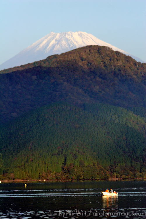 Asia, Japan, Hakone. Early morning views of Mt. Fuji from Lake Ashi in the Fuji-Hakone-Izu National Park.
