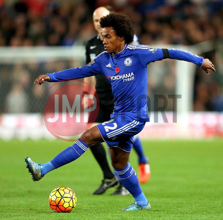 Willian of Chelsea  - Mandatory byline: Matt McNulty/JMP - 07966 386802 - 07/11/2015 - FOOTBALL - Britannia Stadium - Stoke-On-Trent, England - Stoke City v Chelsea - Barclays Premier League