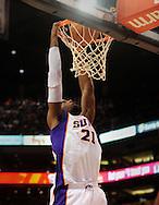 Dec. 10 2010; Phoenix, AZ, USA; Phoenix Suns forward Hakim Warrick (21) dunks the ball during the second half against Portland Trailblazers at the US Airways Center.  The Trailblazers defeated the Suns 101-94. Mandatory Credit: Jennifer Stewart-US PRESSWIRE.