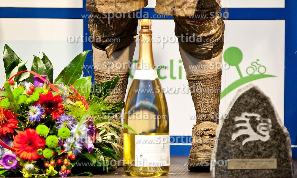 12.06.2011, Bikepark, Leogang, AUT, UCI MOUNTAINBIKE WORLDCUP, LEOGANG, im Bild die mit Schlamm bedeckten Füße von Melissa Buhl, USA, zweite // during the UCI MOUNTAINBIKE WORLDCUP, LEOGANG, AUSTRIA, 2011-06-12, EXPA Pictures © 2011, PhotoCredit: EXPA/ J. Feichter , on June 11, 2011.