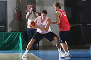 DESCRIZIONE : Bormio Raduno Collegiale Nazionale Italiana Maschile Allenamento<br /> GIOCATORE : Andrea Bargnani<br /> SQUADRA : Nazionale Italia Uomini <br /> EVENTO : Raduno Collegiale Nazionale Italiana Maschile <br /> GARA : <br /> DATA : 13/07/2009 <br /> CATEGORIA : penetrazione<br /> SPORT : Pallacanestro <br /> AUTORE : Agenzia Ciamillo-Castoria/G.Ciamillo<br /> Galleria : Fip Nazionali 2009 <br /> Fotonotizia : Bormio Raduno Collegiale Nazionale Italiana Maschile Allenamento<br /> Predefinita :