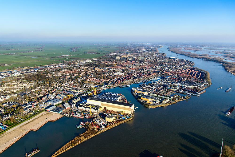 Nederland, Zuid-Holland, Sliedrecht, 07-02-2018; werfen aan de Baanhoek, Beneden Merwede, onder andere IHC IQIP. Sliedrechtse Biesbosch aan de horizon.<br /> Shipyards at river Merwede.<br /> luchtfoto (toeslag op standard tarieven);<br /> aerial photo (additional fee required);<br /> copyright foto/photo Siebe Swart