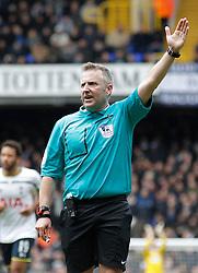 Referee Jonathan Moss - Photo mandatory by-line: Mitchell Gunn/JMP - Mobile: 07966 386802 - 22/02/2015 - SPORT - football - London - White Hart Lane - Tottenham Hotspur v West Ham United - Barclays Premier League