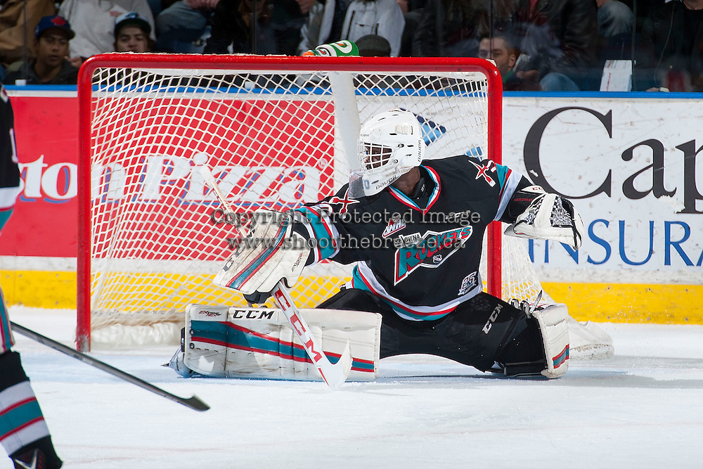 KELOWNA, CANADA - NOVEMBER 20:Michael Herringer #30 of Kelowna Rockets defends the net against the Edmonton Oil Kings on November 20, 2015 at Prospera Place in Kelowna, British Columbia, Canada.  (Photo by Marissa Baecker/ShoottheBreeze)  *** Local Caption *** Michael Herringer;