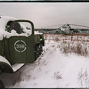 05-03-1996-Oekraine, Tsjernobyl. Nucleair kerkhof met militaire voertuigen en helikopters die gebruikt zij tijdens de bluswerkzaamheden in april 1986 en nu zwaar radioaktief zijn.Op de auto staat nog ket logo 'ZONA'.<br />Foto: Sake Elzinga/Hollandse Hoogte