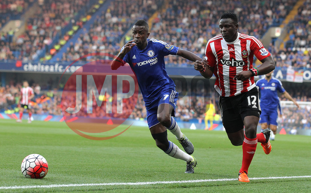 Ramires of Chelsea and Victor Wanyama of Southampton challenge for the ball - Mandatory byline: Paul Terry/JMP - 07966 386802 - 03/10/2015 - FOOTBALL - Stamford Bridge - London, England - Chelsea v Southampton - Barclays Premier League