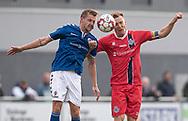 Rasmus Suhr Petersen (Holbæk B&I) og Andreas Holm (FC Helsingør) i duel under kampen i 2. Division mellem Holbæk B&I og FC Helsingør den 20. oktober 2019 i Holbæk Sportsby (Foto: Claus Birch).