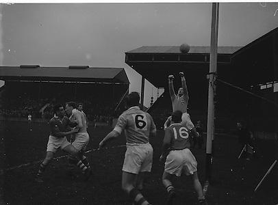 Football - Cork v Dublin. Charity match. Croke Park..20.01.1957  20th January 1957