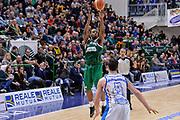 DESCRIZIONE : Beko Legabasket Serie A 2015- 2016 Dinamo Banco di Sardegna Sassari - Sidigas Scandone Avellino<br /> GIOCATORE : Joe Ragland<br /> CATEGORIA : Tiro Tre Punti Three Point Buzzer Beater Decisivo Ultimo Tiro<br /> SQUADRA : Sidigas Scandone Avellino<br /> EVENTO : Beko Legabasket Serie A 2015-2016<br /> GARA : Dinamo Banco di Sardegna Sassari - Sidigas Scandone Avellino<br /> DATA : 28/02/2016<br /> SPORT : Pallacanestro <br /> AUTORE : Agenzia Ciamillo-Castoria/L.Canu