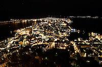 Jugendbyen &Aring;lesund fotografert ved Fjellstua p&aring; Akslafjellet. <br /> <br /> The city of Aalesund photographed from Akslafjellet.<br /> <br /> Foto: Svein Ove Ekornesv&aring;g