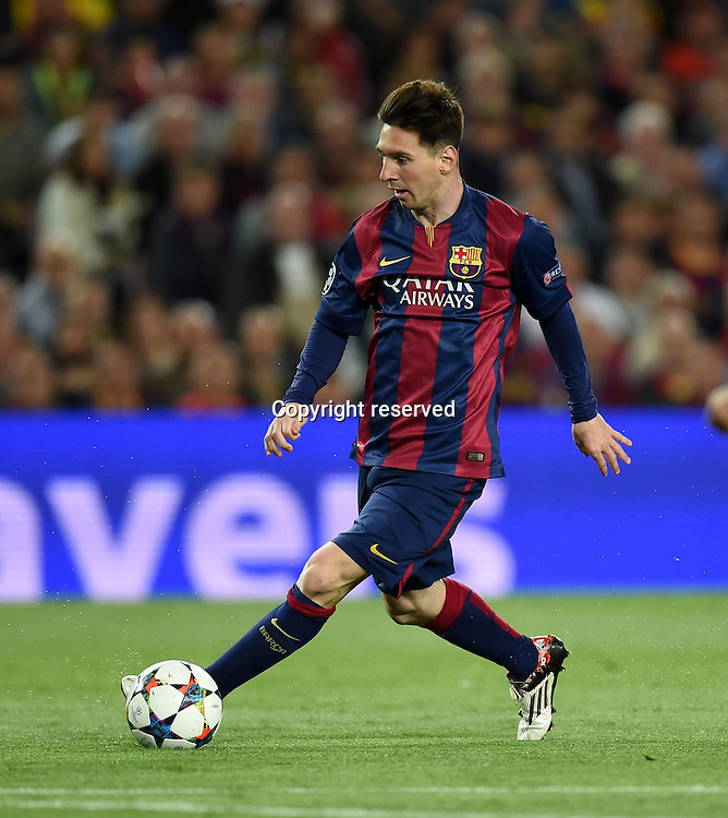 06.05.2015. Nou Camp, Barcelona, Spain, UEFA Champions League semi-final. Barcelona versus Bayern Munich.  Lionel Messi (Barca) on the ball