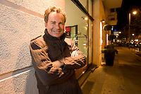 2008, BERLIN/GERMANY:<br /> Martin Varsavsky, argentinischer Unternehmer und Geschaeftsfuehrer und Gruender von FON, vor dem Hotel Lux 11, Rosa-Luxemburg-Strasse<br /> IMAGE: 20081020-04-021
