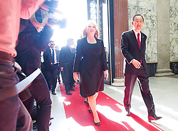 28.04.2016, Parlament, Wien, AUT, Parlament, Nationalratssitzung, Besuch des UNO-Generalsekretärs im Nationalrat, im Bild v.l.n.r. UNO Generalsekretaer Ban Ki-moon und Nationalratspräsidentin Doris Bures (SPÖ) // f.l.t.r. General Secretary of the United Nation Organisation Ban Ki-moon and President of the National Council Doris Bures (SPOe) during visit of the secretary general of the united nations at the meeting of the National Council of austria at austrian parliament in Vienna, Austria on 2016/04/28, EXPA Pictures © 2016, PhotoCredit: EXPA/ Michael Gruber
