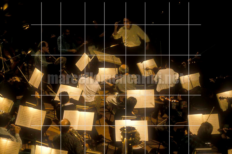 Claudio Abbado conducting the Berlin Philharmonic Orchestra, 1990 / Claudio Abbado mentre dirige i Berliner Philharmoniker, 1990 - © Marcello Mencarini