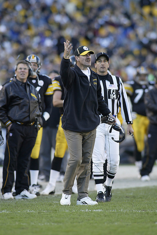 Head Coach Bill Cowher of the Pittsburgh Steelers argues a call during their 24-20 defeat to the Cincinnati Bengals on 11/30/2003. ©JC Ridley/NFL Photos.