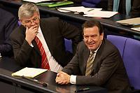 11 DEC 2003, BERLIN/GERMANY:<br /> Joschka Fischer (L), B90/Gruene, Bundesaussenminister, und Gerhard Schroeder (R), SPD, Bundeskanzler,waehrend einer Bundestagsdebatte zum EU-Verfassung, Plenum, Deutscher Bundestag<br /> IMAGE: 20031211-01-020<br /> KEYWORDS: Gerhard Schröder