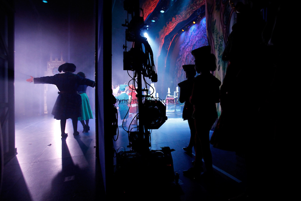 Snow White at The Kings - Photo Essay<br /> Backstage