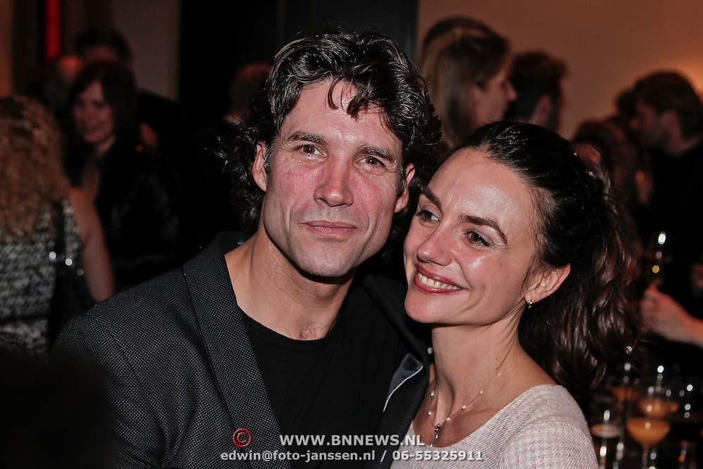 NLD/Amsterdam/20110209 - Premiere Blind Vertrouwen, Daniel Boissevain en partner Vanessa Henneman